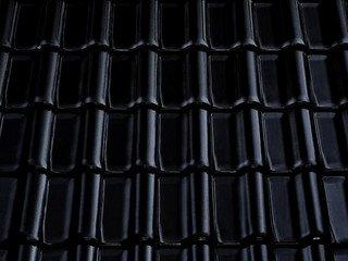 Керамическая черепица Braas Рубин 11V Глазурь глубокий черный
