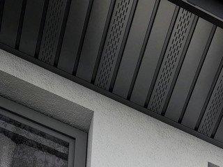 Софит ПВХ с центральной перфорацией, сплошной BUDMAT чёрный